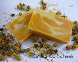 Sapun cu galbenele si ulei de catina, pentru pielea sensibila.