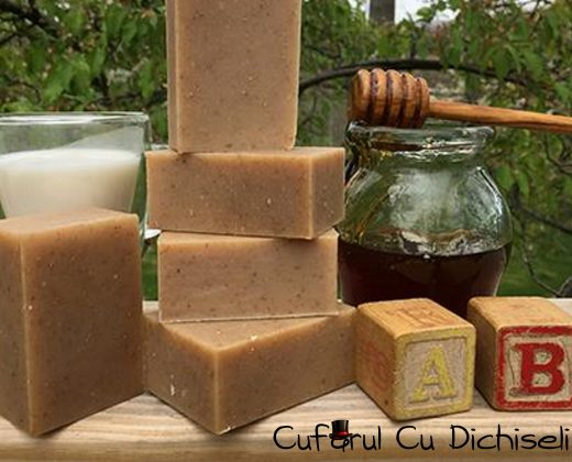 Sapun scrub pentru corp, ingrediente 100% naturale.
