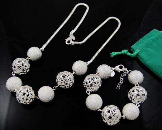 set argint, set bijuterii, set bijuterii argint, set de bijuterii, seturi bijuterii argint, bratara argint, bratara argint dama, pandantiv argint, lant argint, cufarul cu dichiseli