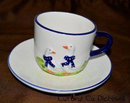 Ceasca de ceai din portelan.