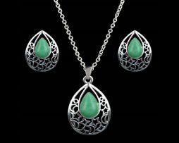 Set bijuterii placat argint, cercei cu surub si lant cu pandantiv.
