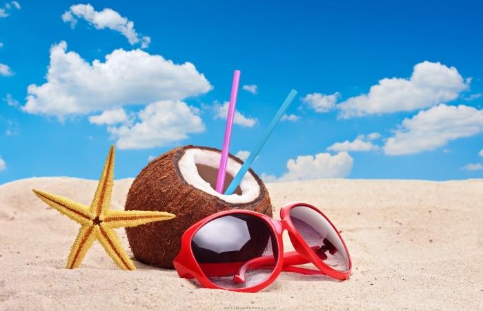 Afla ce accesorii se asorteaza cel mai bine cu plaja si apa!
