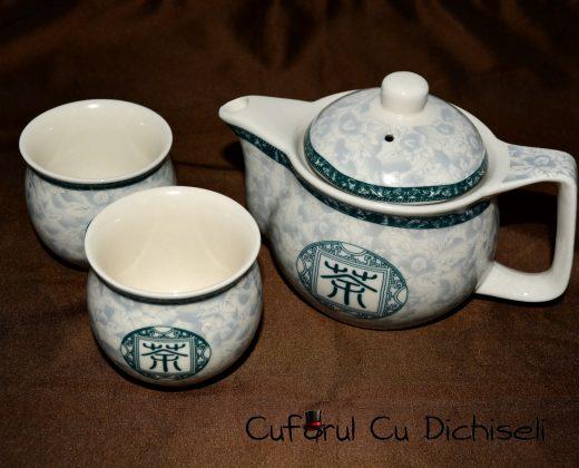 Set japonez pentru ceai.