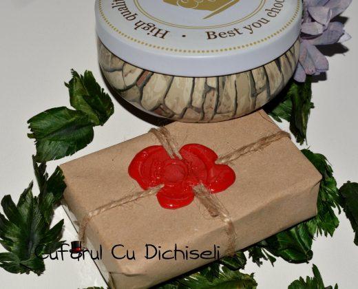 Pachet cosmetice naturale: crema de maini naturala si sapun igiena intima