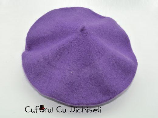 Basca dama 90% lana, diverse culori.