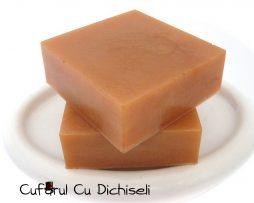 Sapun handmade din ingrediente 100% naturale.