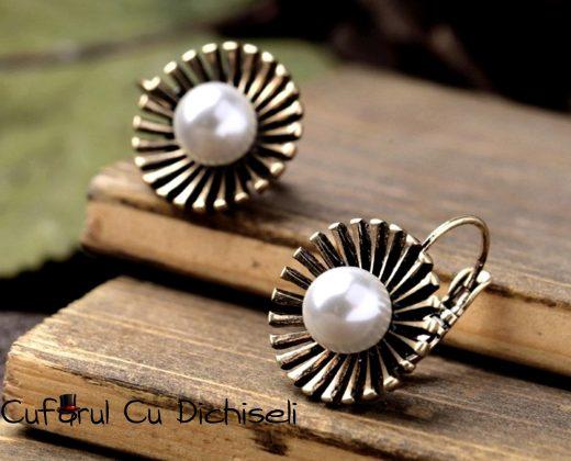 Cercei vintage cu perla