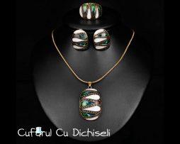 Set bijuterii vintage din email si metal cu patina