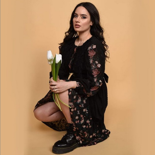 bluză neagră de primăvară