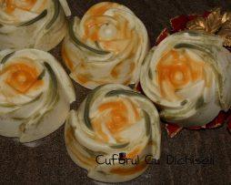 Sapun natural cu uleiuri de portocale si catina