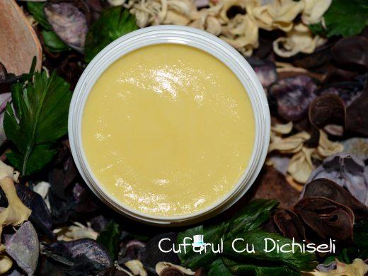 Crema de gomaj cu perle de jojoba. Ingrediente 100% naturale
