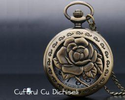 Ceas vintage cu pandantiv trandafir