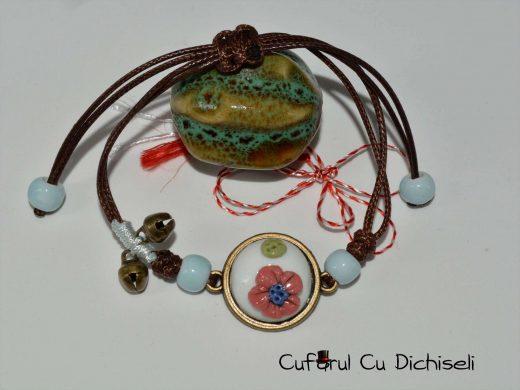Bratari handmade din margele si aplicatii metalice