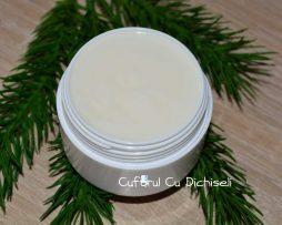 Crema de fata cu ulei de cocos, special creata pentru tenul uscat si pielea descuamata si iritata