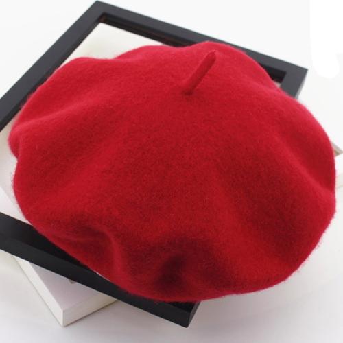 bască roșie